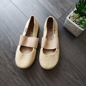 MALIBU Blowfish minimilist sneaker size 38